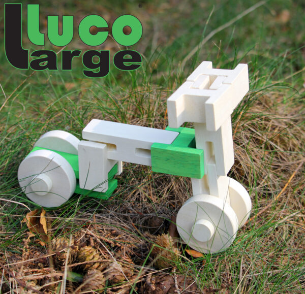 Luco Large motor Mooie Eco blokken. Large Construction blocks rubber wood.