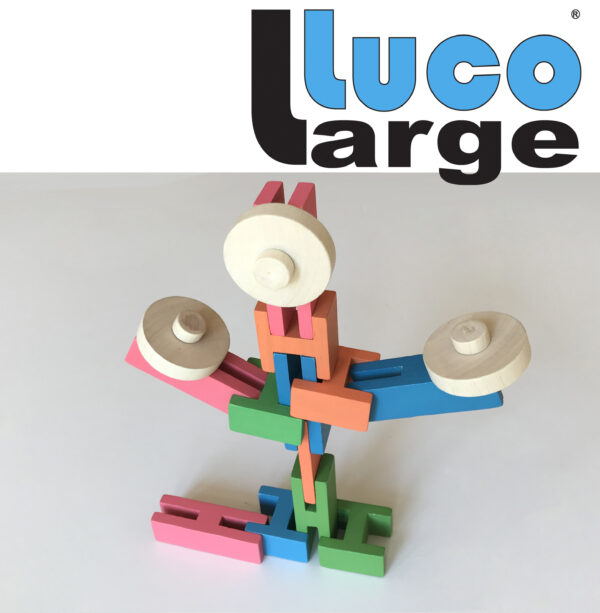 Luco Large creature Mooie Eco blokken. Large Construction blocks rubber wood.